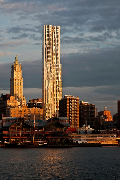 New York by Gehry - context view
