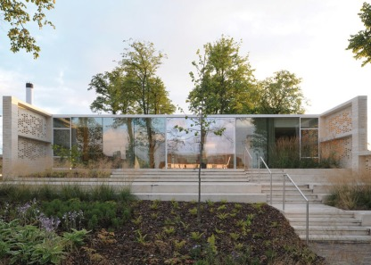 Maggies-Centre-Lanarkshire-by-Reiach-and-Hall_dezeen_784_9