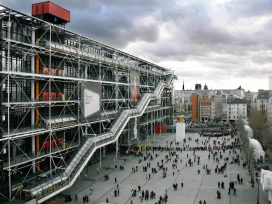 Richard Rogers Thanks To His Modernist And Functionalist Designs Is One Of The Most Representative High Tech Architects