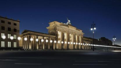 Berlin-Wall-Light-Installation-02