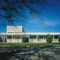 Renzo Piano - Menil Collection, front view