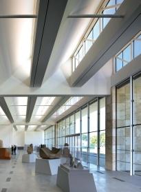 Renzo Piano - Resnick Pavilion, interior view